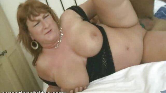 Mofos peliculas de sexo pornograficas - Mofos World Wide - Denisa Doll - Coño estrecho de