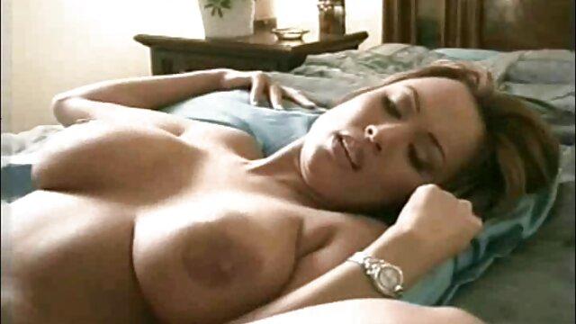 Cuerpo perfecto super caliente Tina Kay se la follan en porno grafías xxx la primera cita
