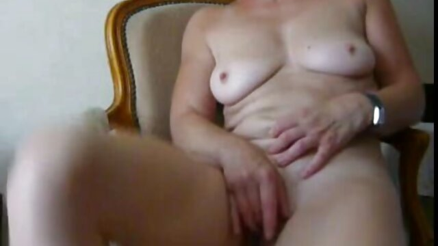 Viendo peliculas pornograficas en vivo a mi esposa follarlo de nuevo
