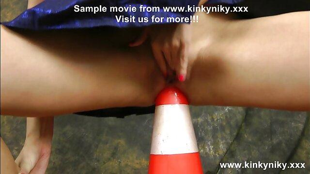 La milf inglesa Red cuida película de pornografía película de pornografía su trasero en mallas