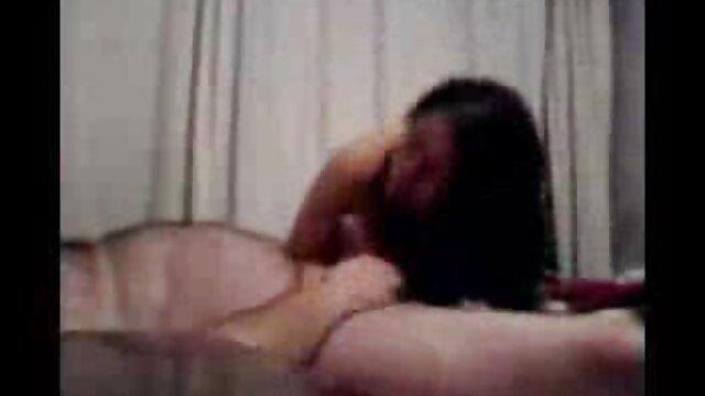 Katy habla de cosas íntimas de chicas después de ver peliculas online gratis pornograficas una ducha