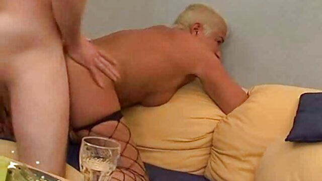 19yo inserta consolador de pelicula pornografica taboo vidrio