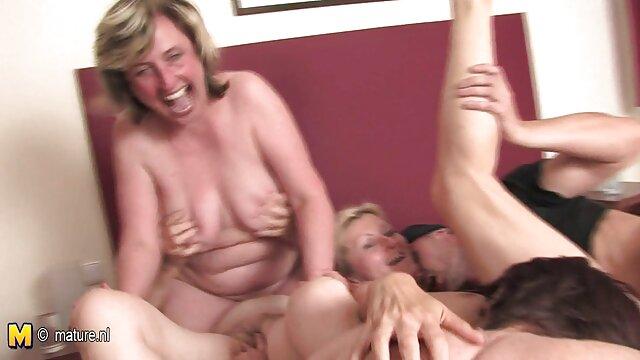 Lesbianas una película pornográfica por favor maduras
