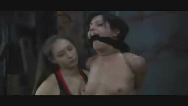 Increíble ver películas pornográficas completas tetas grandes chica peluda juega el juego