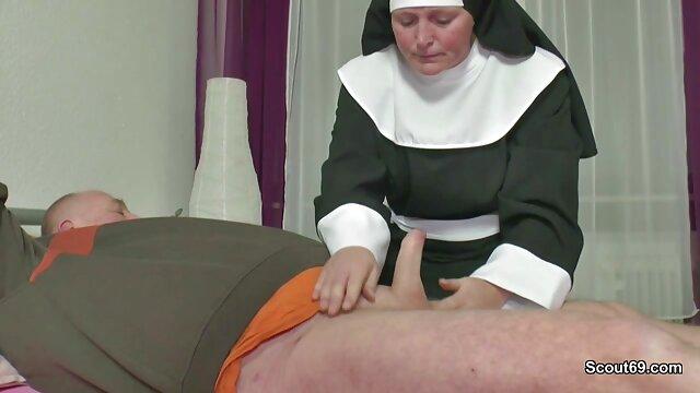 MILF Slut Red usa un juguete nuevo y tiene orgasmos múltiples peliculas muy pornograficas